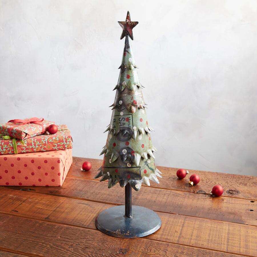 RECLAIMED METAL XMAS TREE