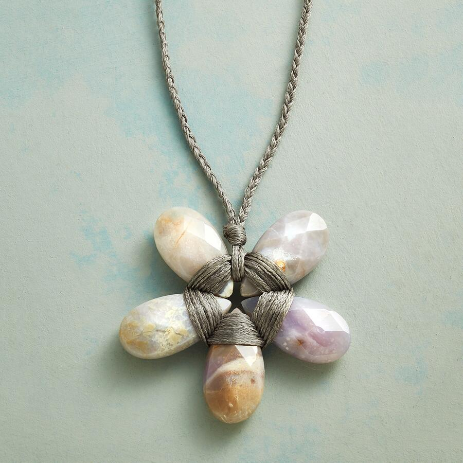 PETAL PERFECT NECKLACE