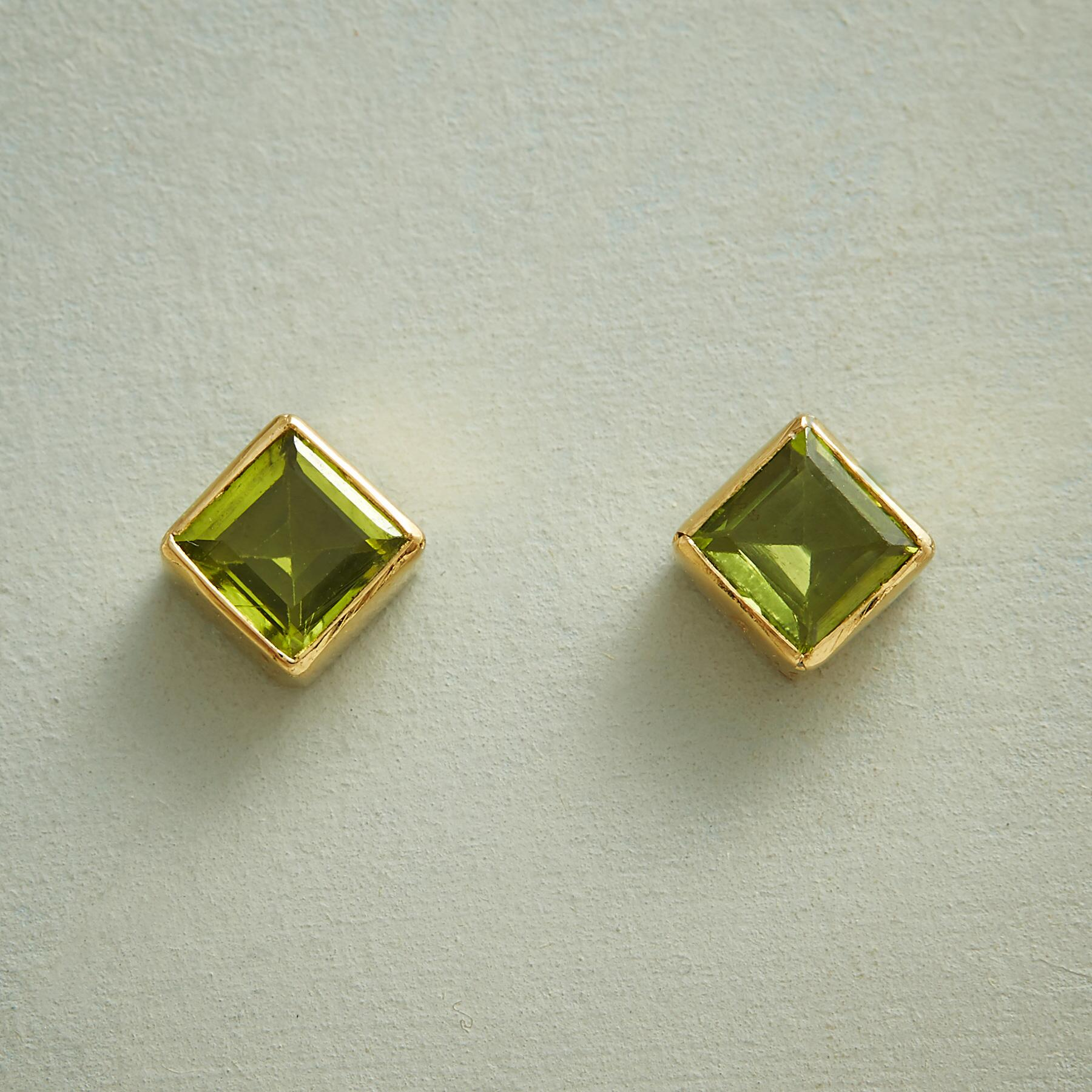 PERIDOT PYRAMID EARRINGS: View 1