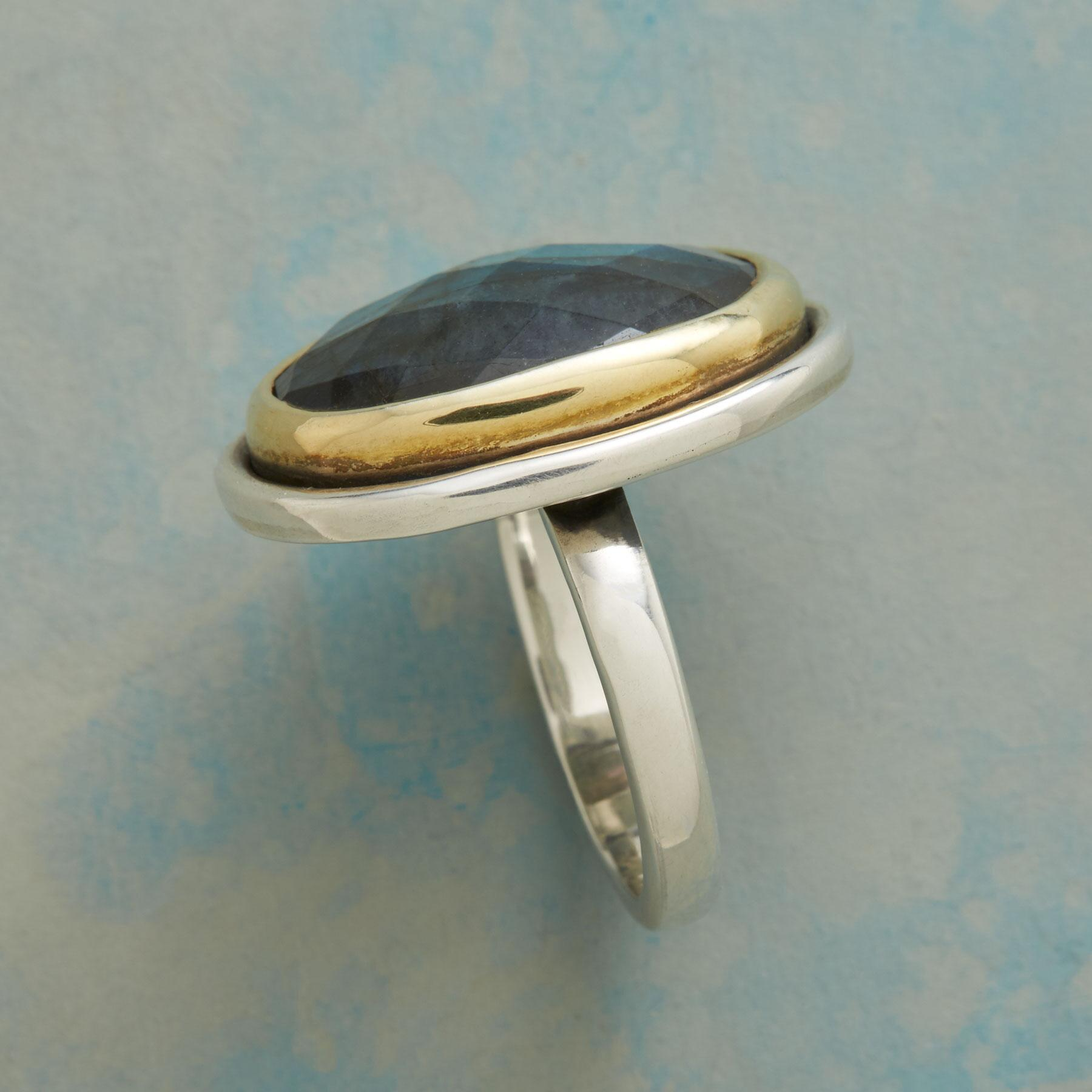 GRAND LABRADORITE RING: View 2