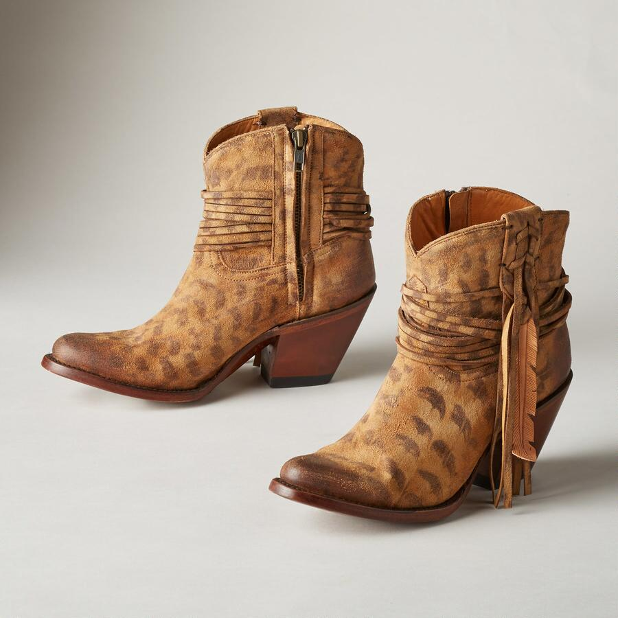 ROBYN BOOTS BY LUCCHESE