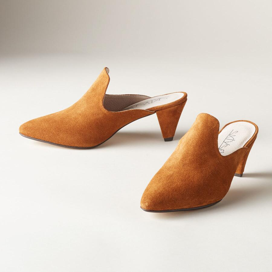 CONTEMPORARY COURT MULES