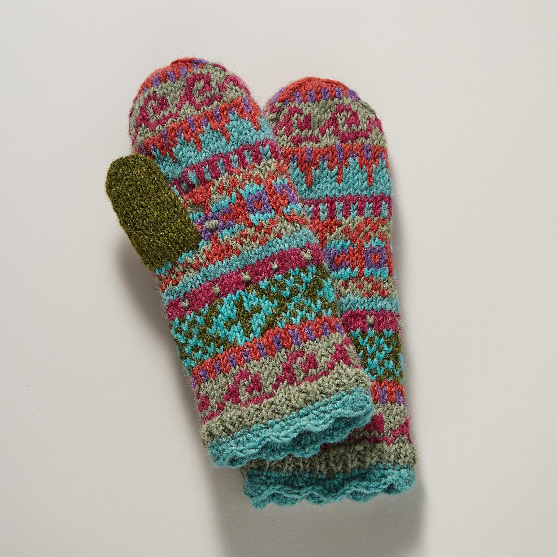 WILLA MITTENS: View 1