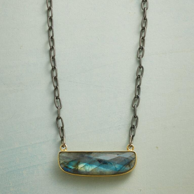 LABRADORITE ALLURE NECKLACE