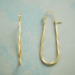 TWINKLING LOOP EARRINGS