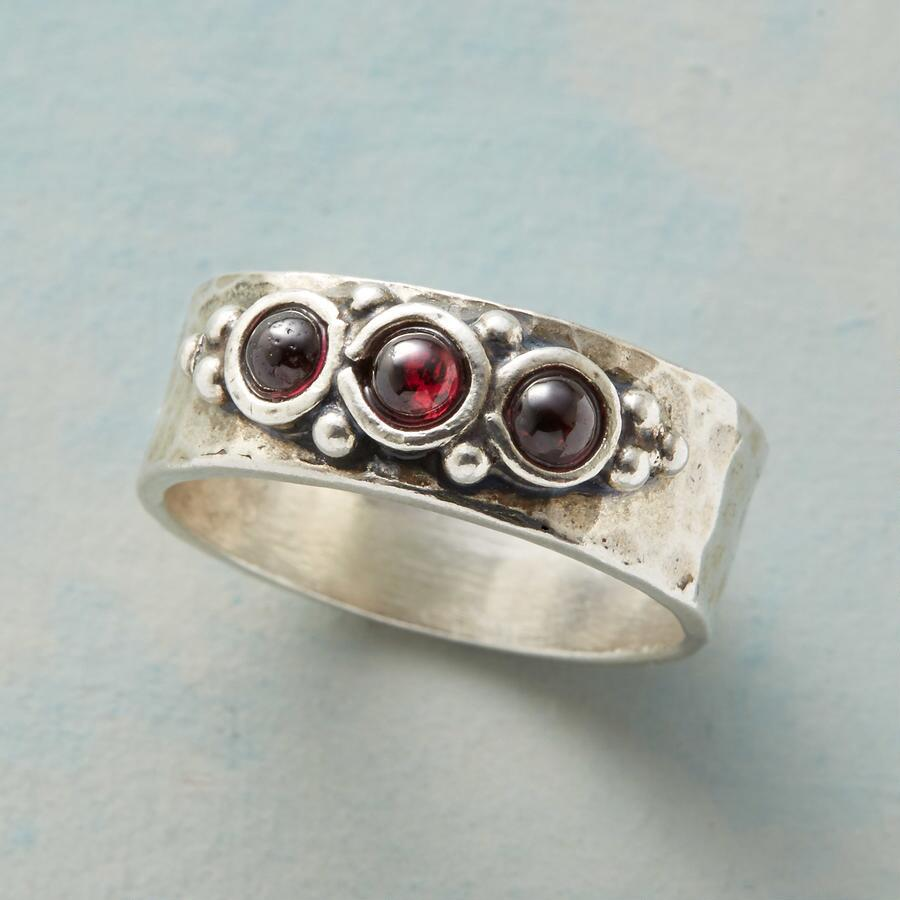 SWEET BERRY RING
