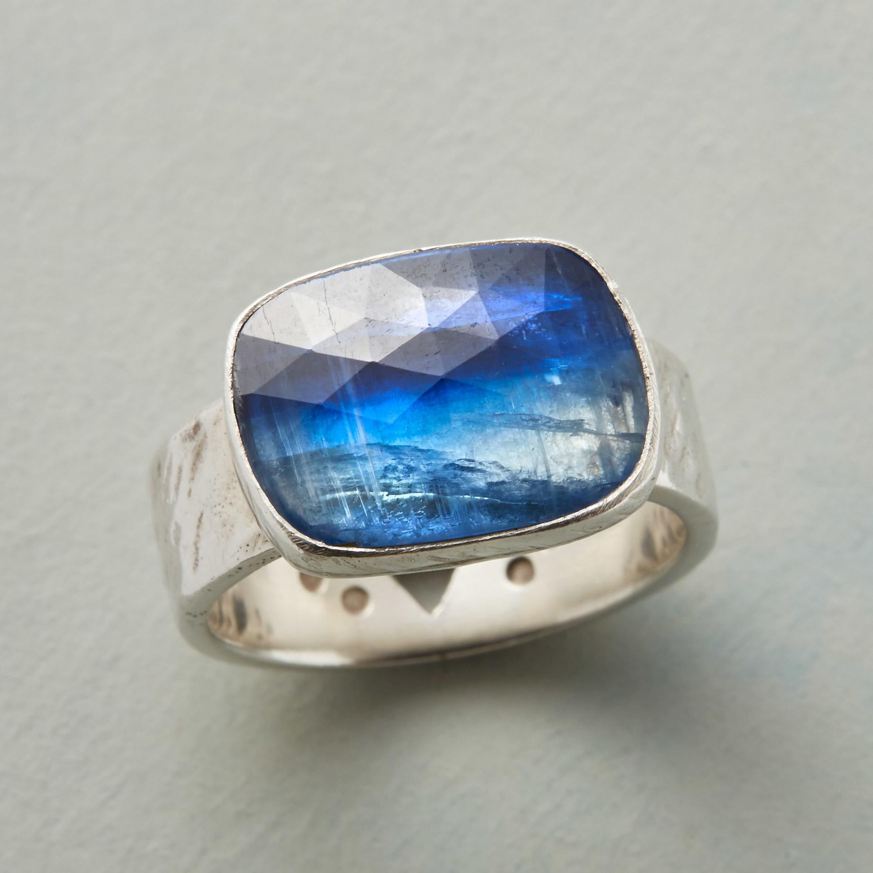 TRUE BLUE RING: View 1