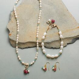 MOONLIGHT AND ROSES JEWELRY COLLECTION