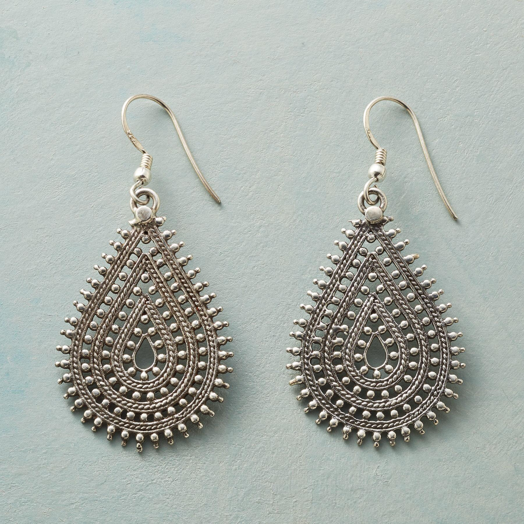 GEETA EARRINGS: View 1