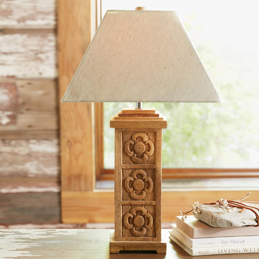 FABLED BLOOMS TABLE LAMP