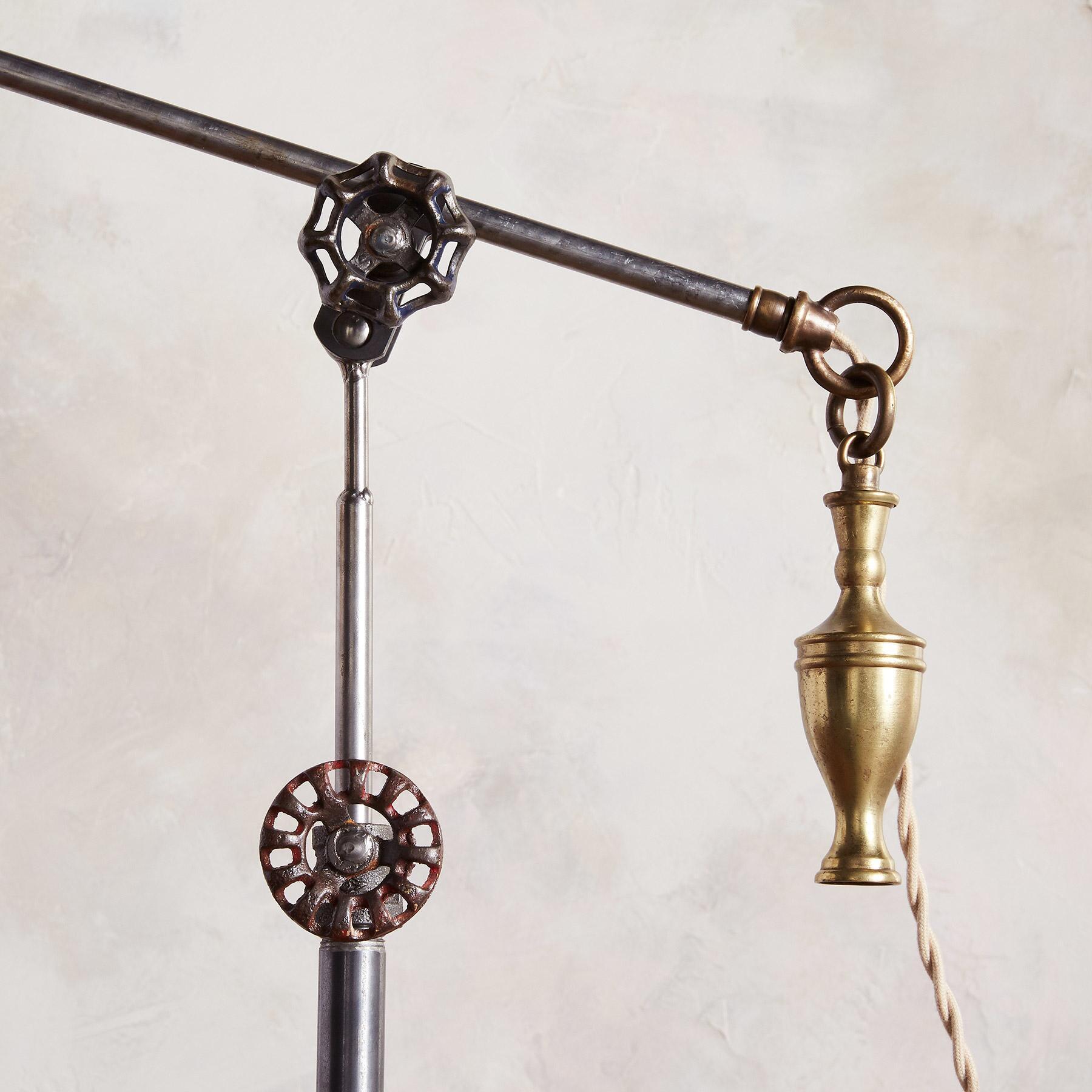 DETROIT FLOOR LAMP: View 3