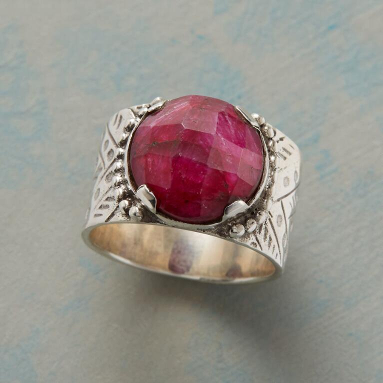 ENTHRONED SILLIMANITE RING