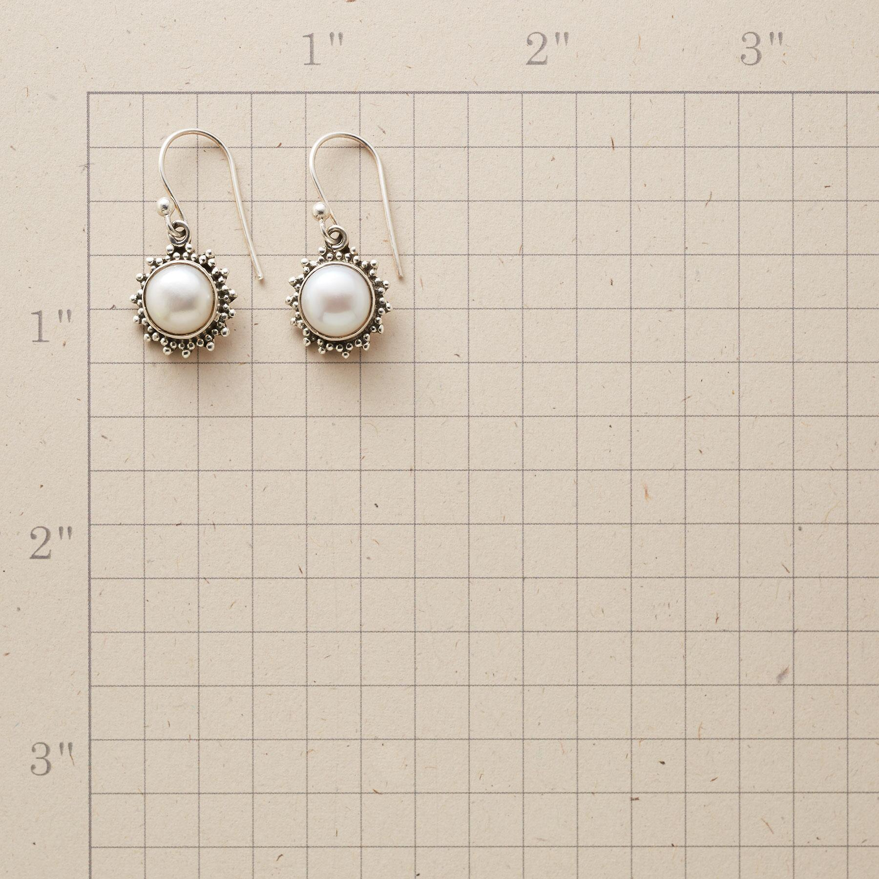 PEARL STARBURST EARRINGS: View 2