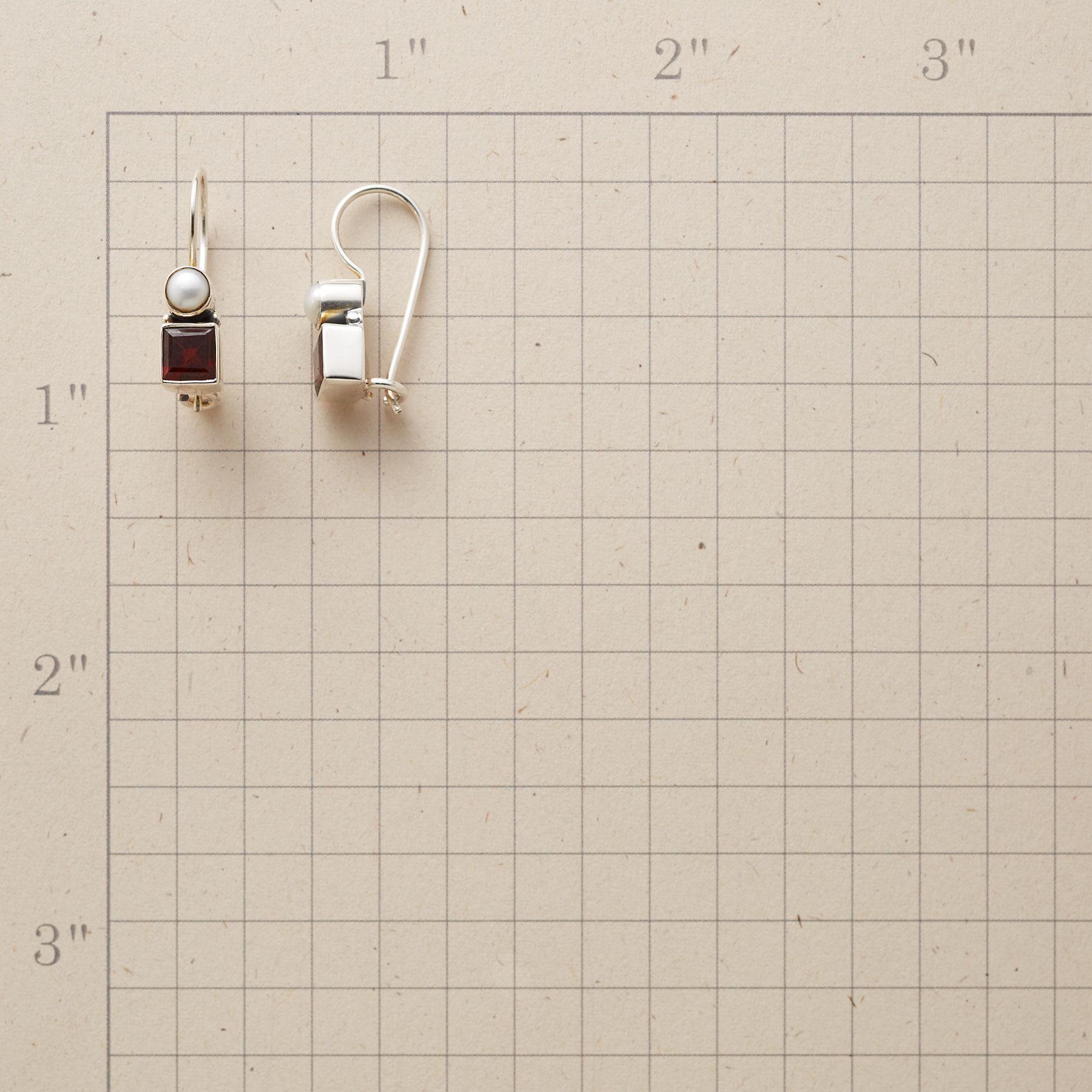 GEOMETRIX EARRINGS: View 2