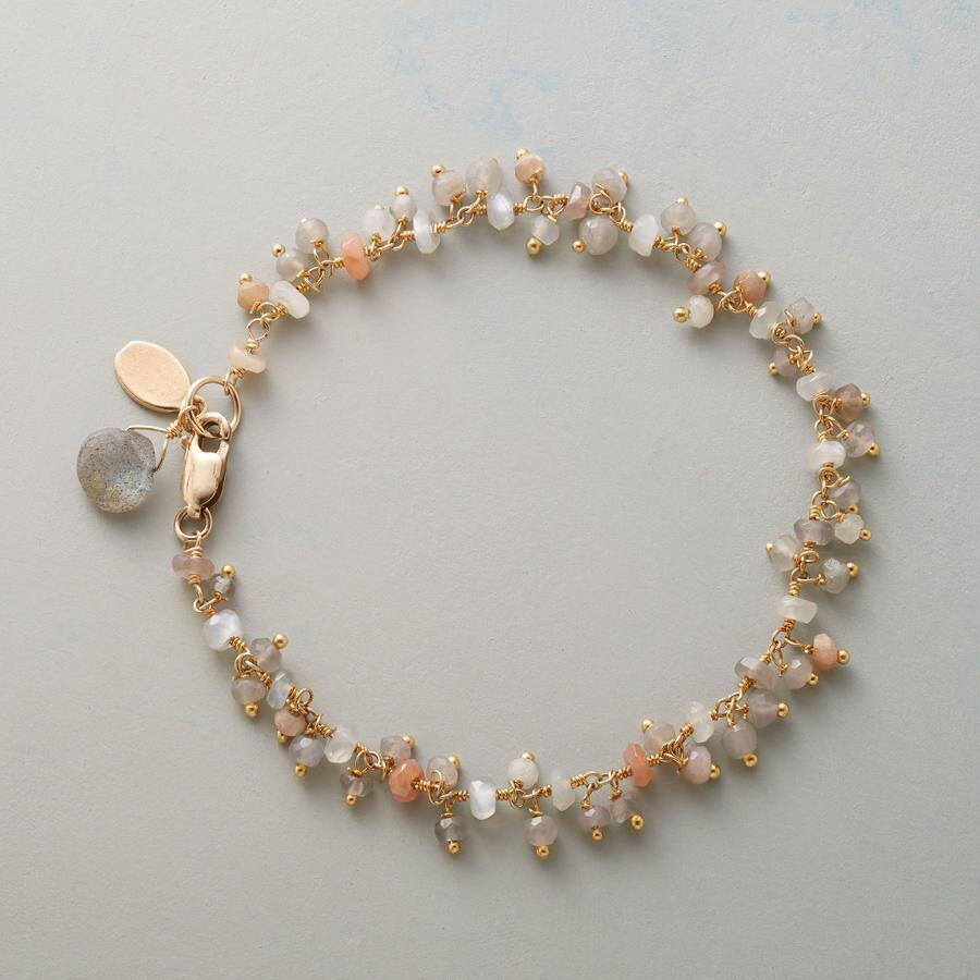 GLIMMERS OF LIGHT BRACELET