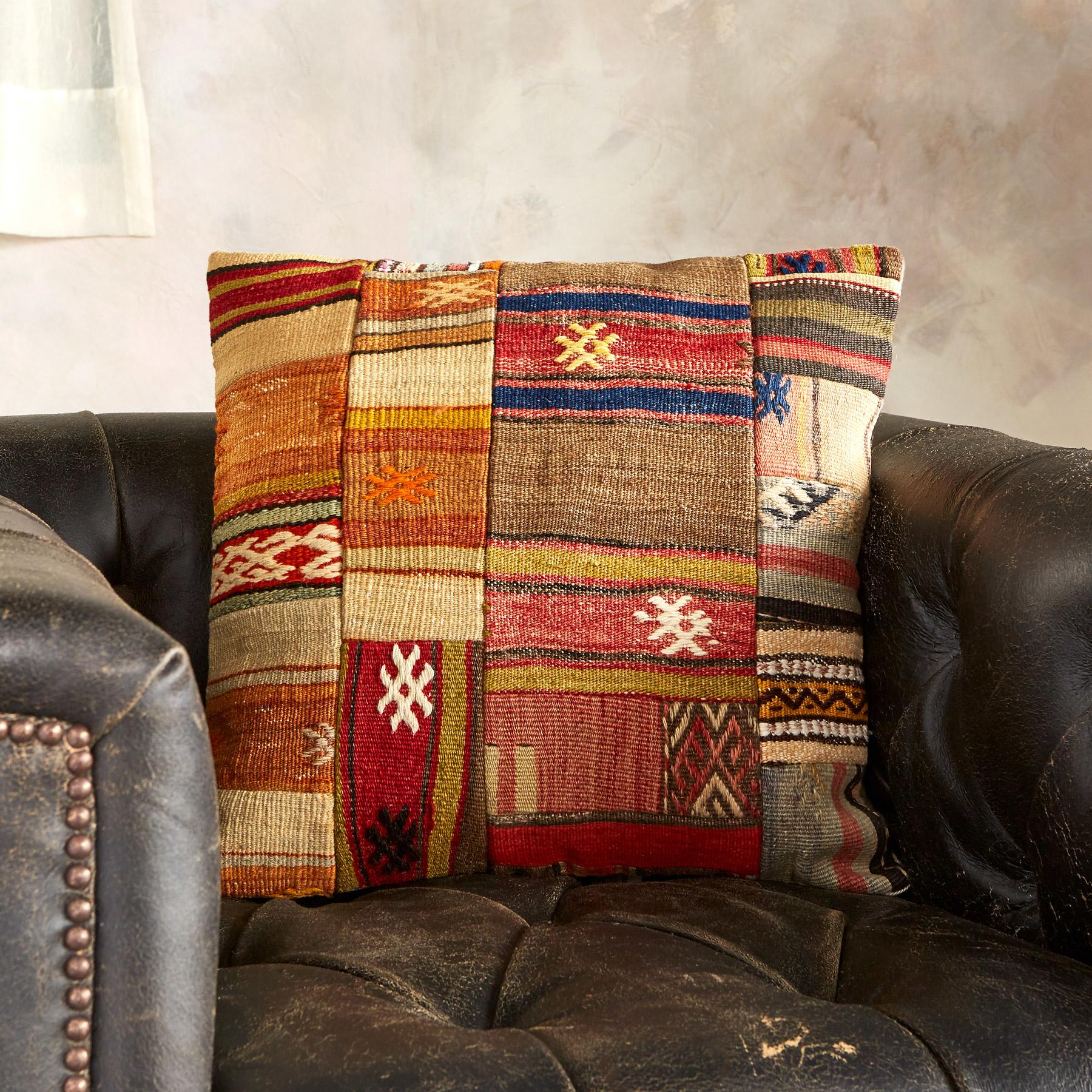 VINTAGE TURKISH KILIM PILLOW: View 3