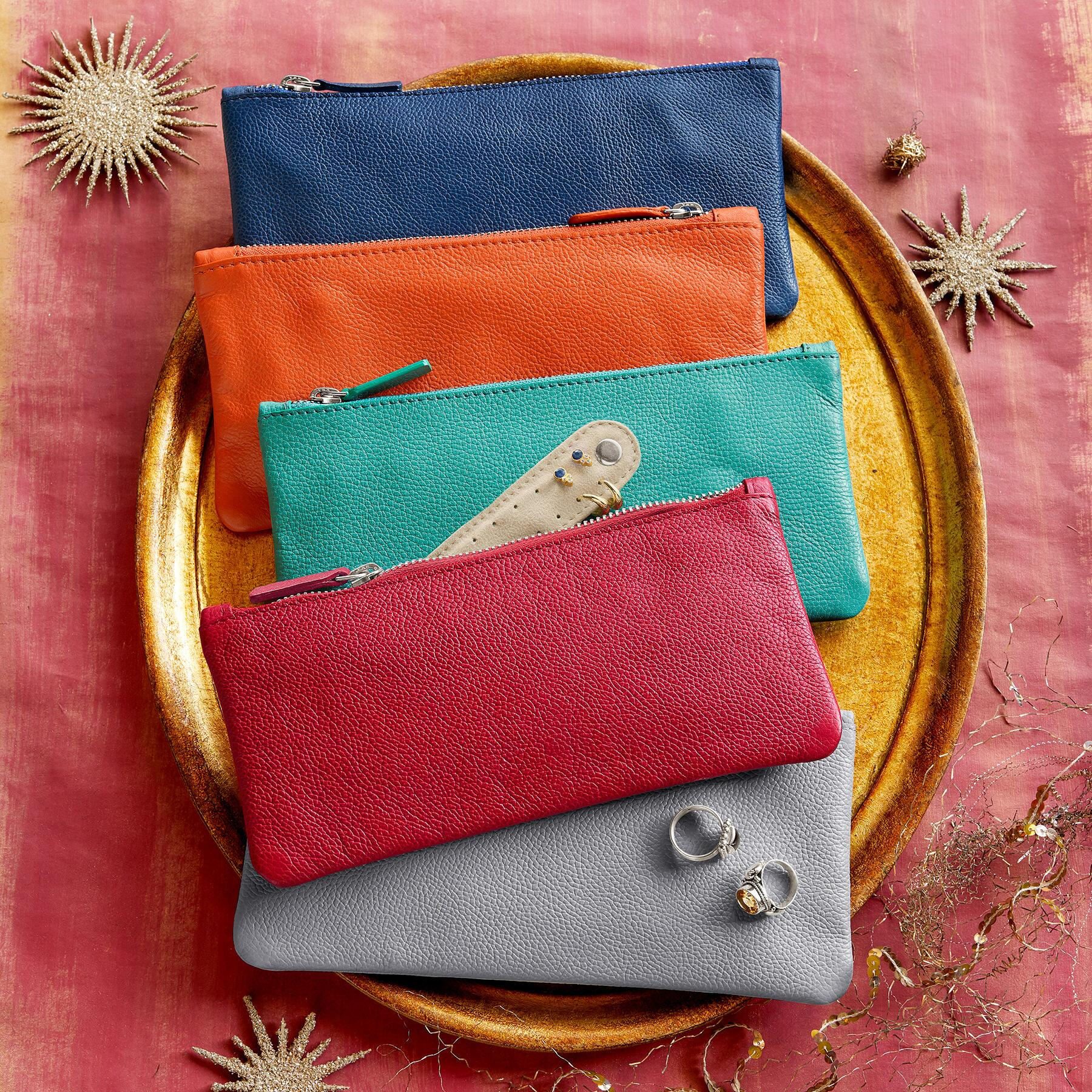 LUXURIOUS JEWELRY POUCH: View 1