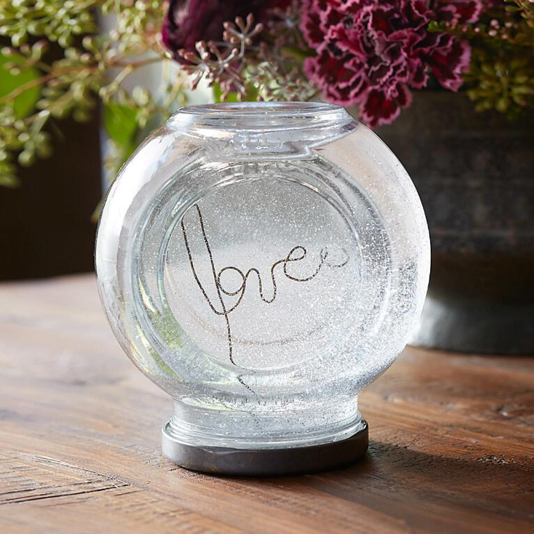 LOVE POTION WATERGLOBE
