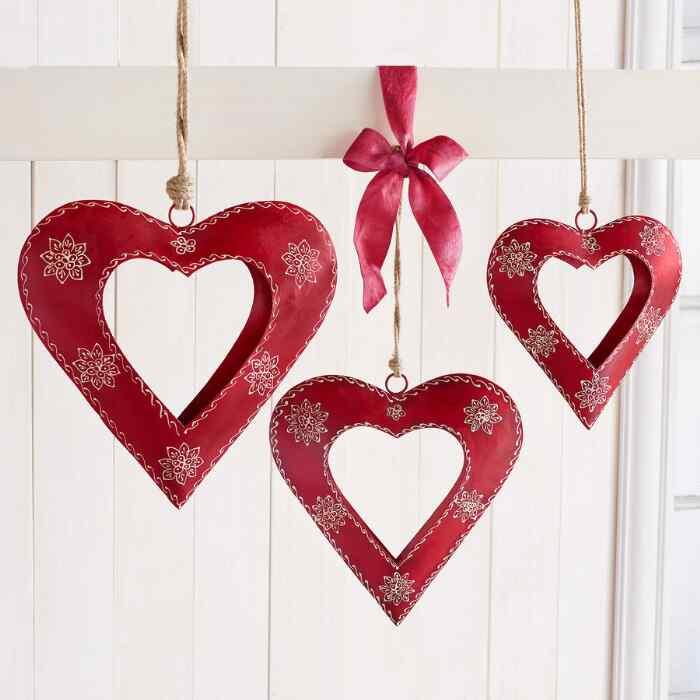 ALPENHAUS HANDPAINTED HEARTS