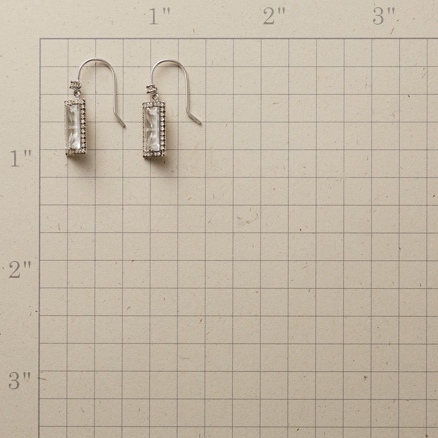 CHAMPAGNE & DIAMONDS EARRINGS: View 2