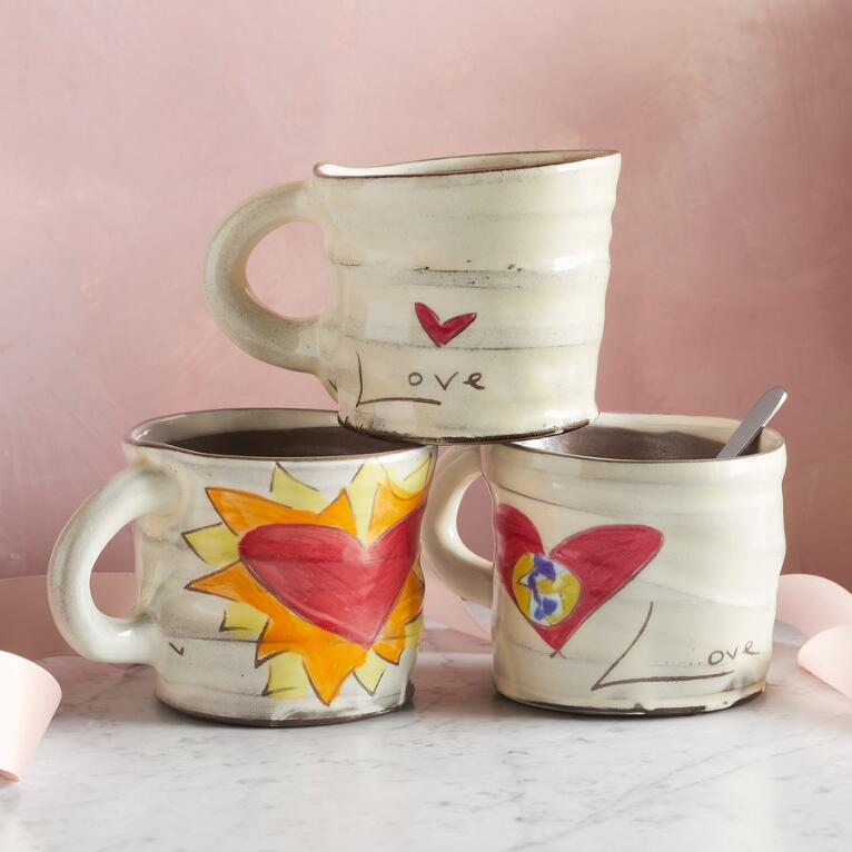 SENTIMENT LOVE IS IN THE AIR MUG