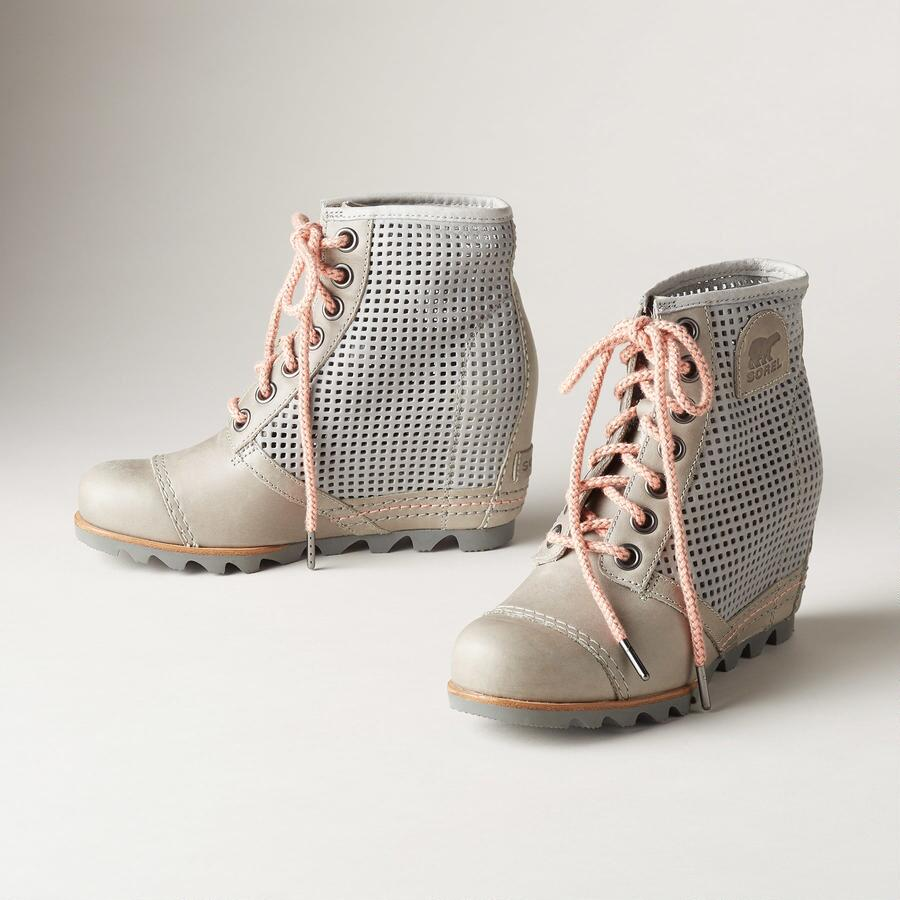 1964 PREMIUM WEDGE BOOTS BY SOREL