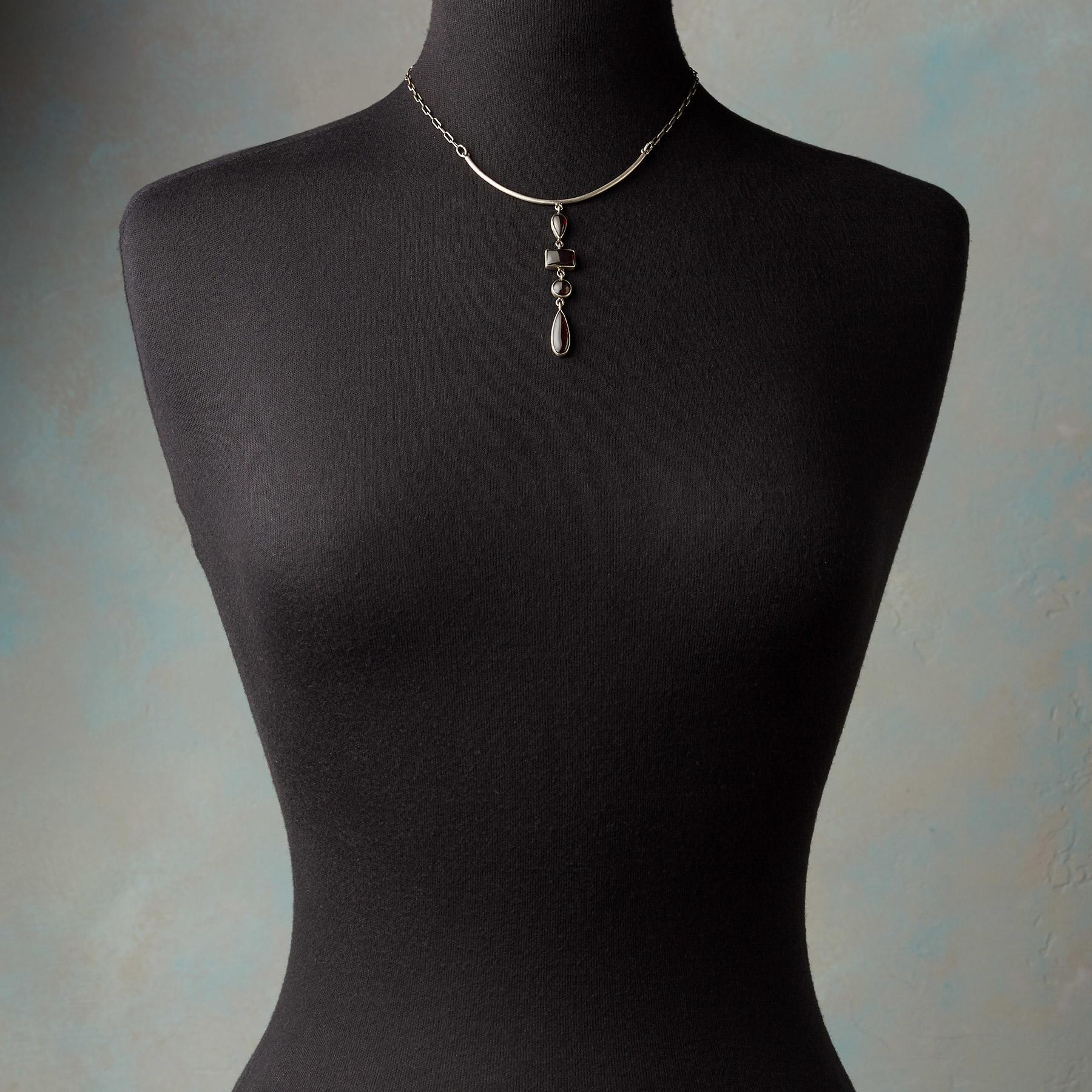 MODERNIST NECKLACE: View 3