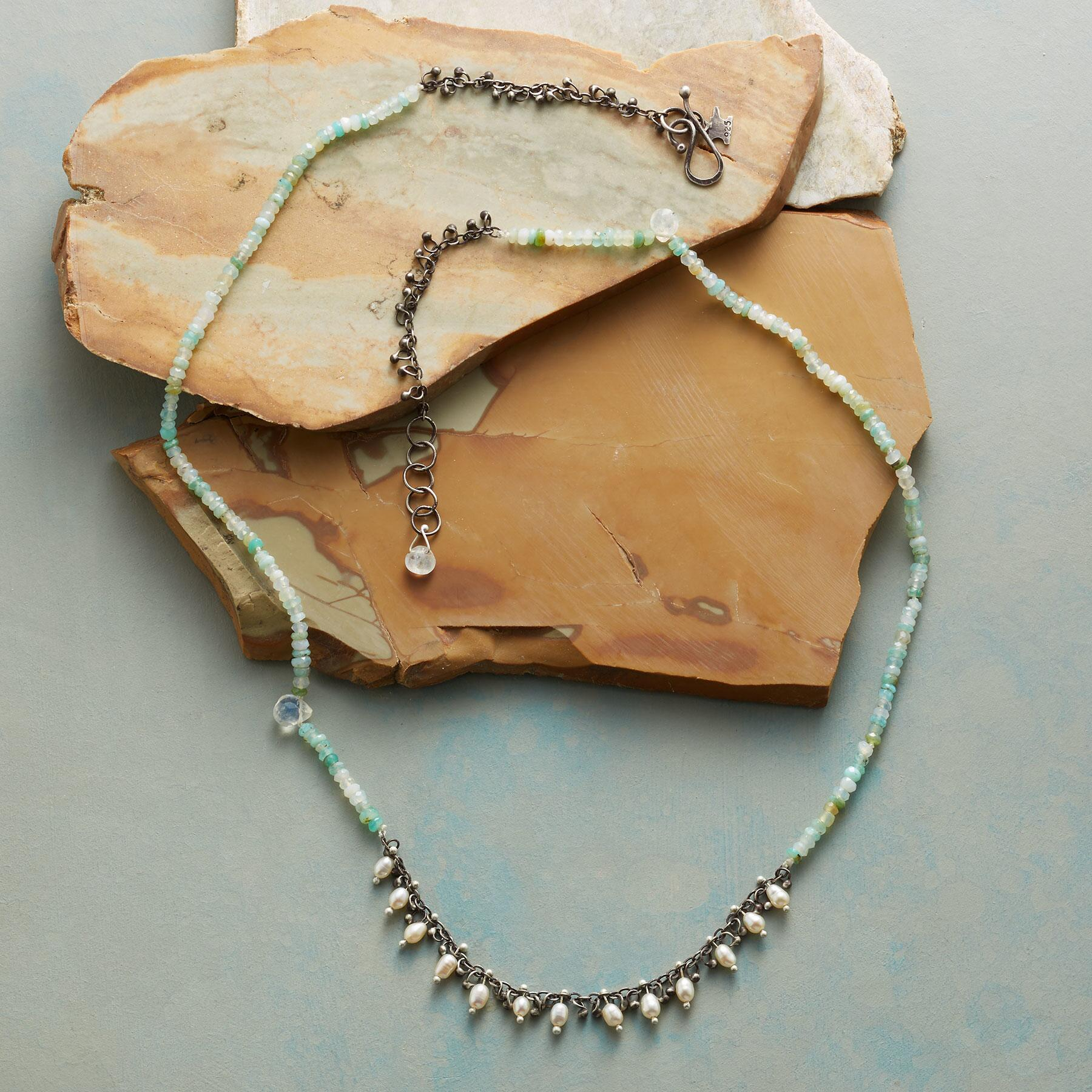 TINY BUDS NECKLACE: View 2