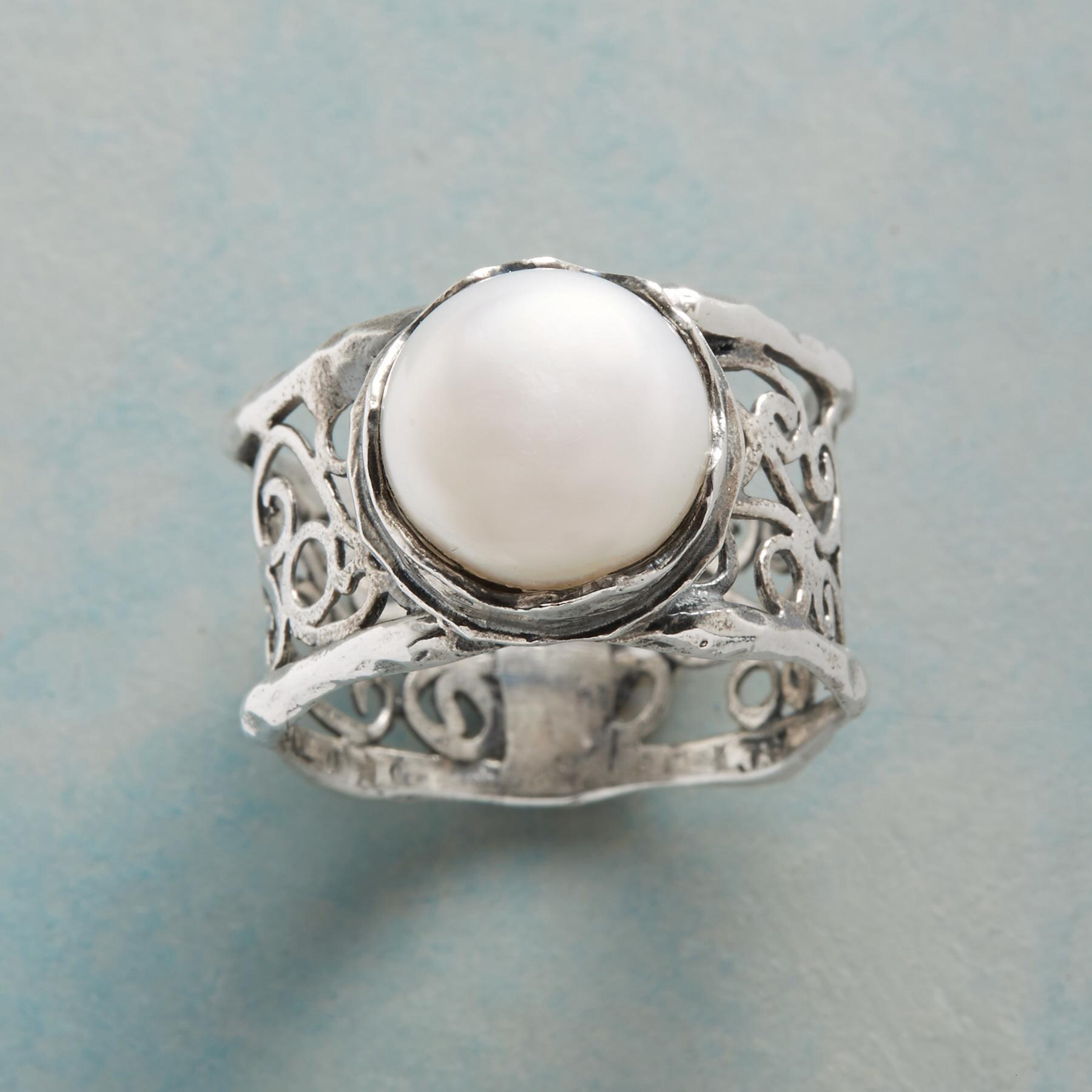 GARDEN GATE PEARL RING: View 1