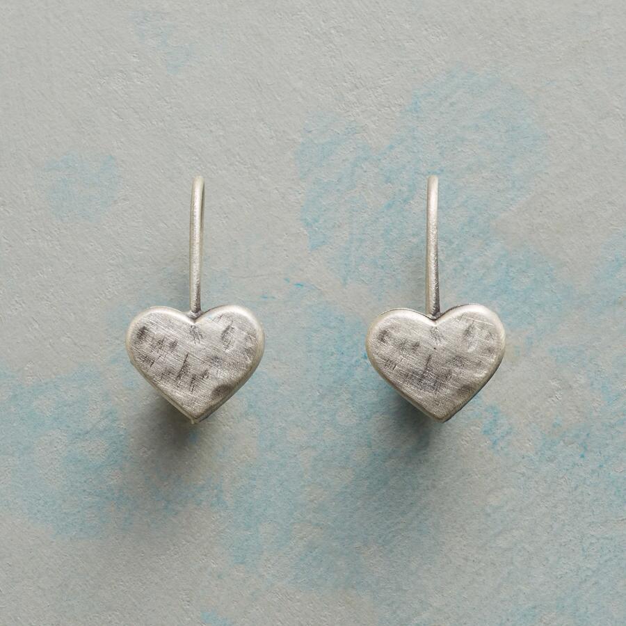 LITTLE LOVE EARRINGS