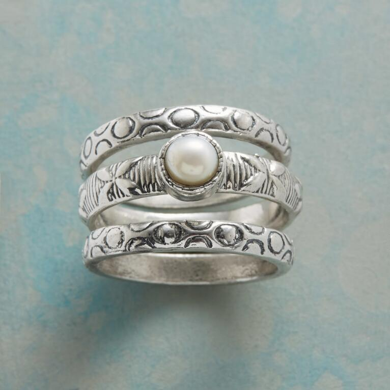PEARL CREST RING SET