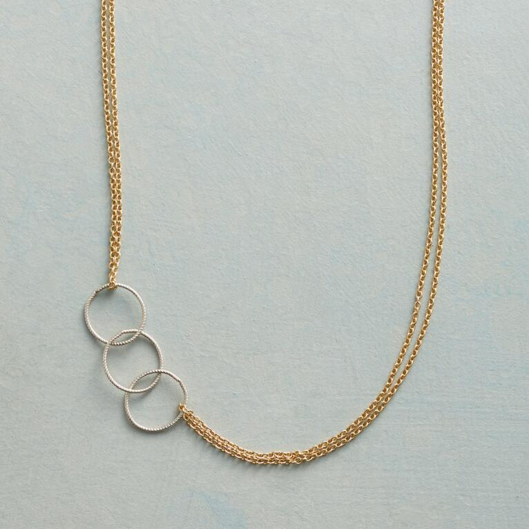 CIRCLE BACK NECKLACE