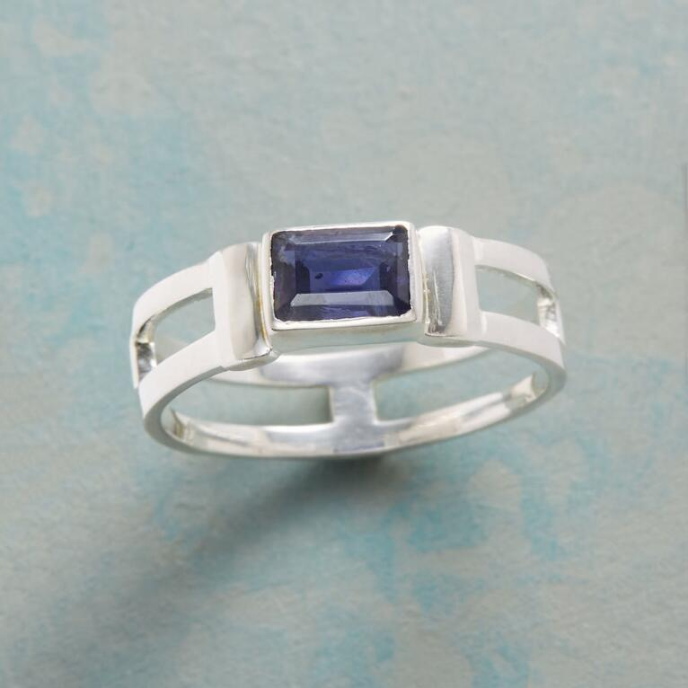 IOLITE ICE RING
