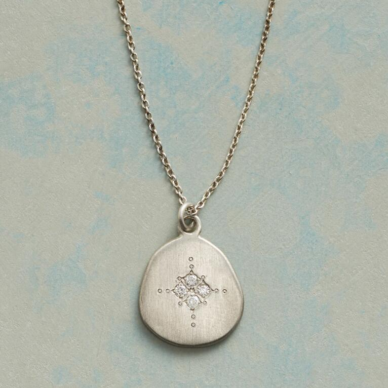 FOUR STAR NECKLACE