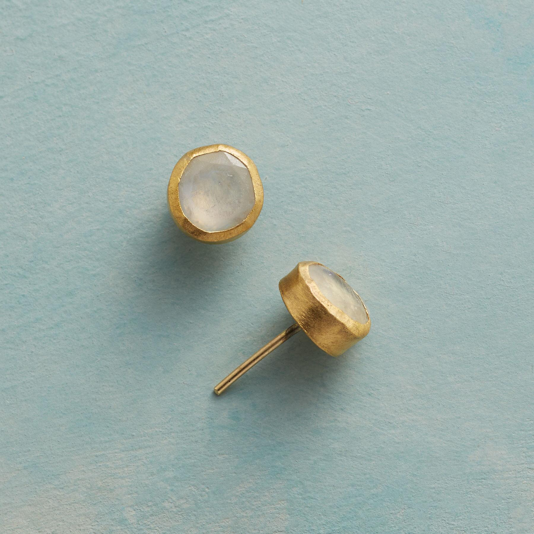 ANTIQUITY MOONSTONE EARRINGS: View 1