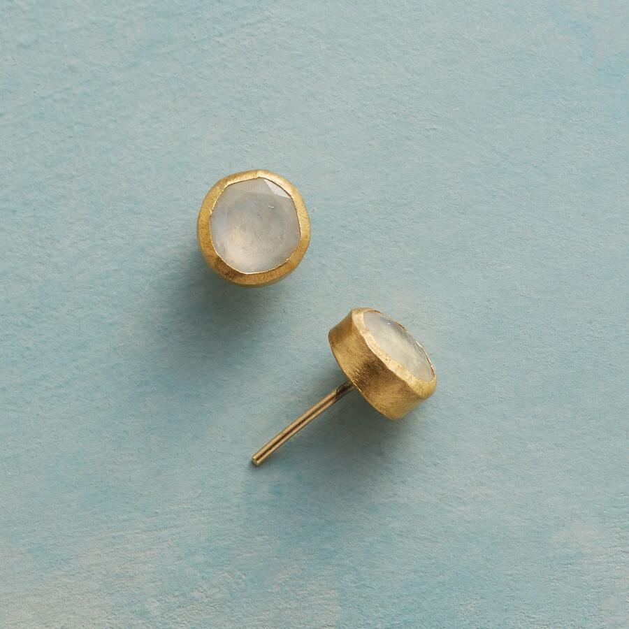 ANTIQUITY MOONSTONE EARRINGS