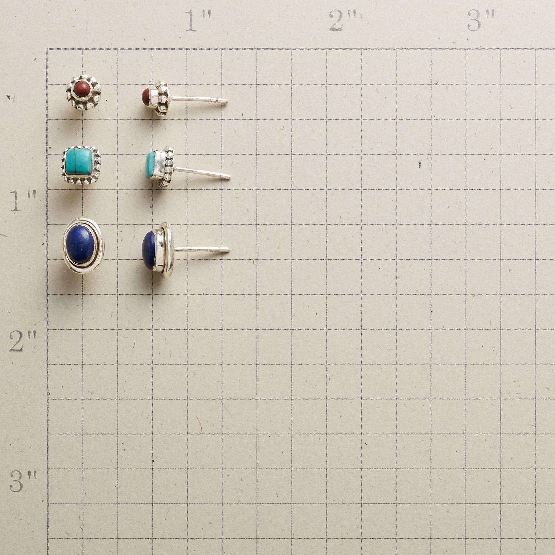 PRIMARY POSTS EARRING TRIO: View 2