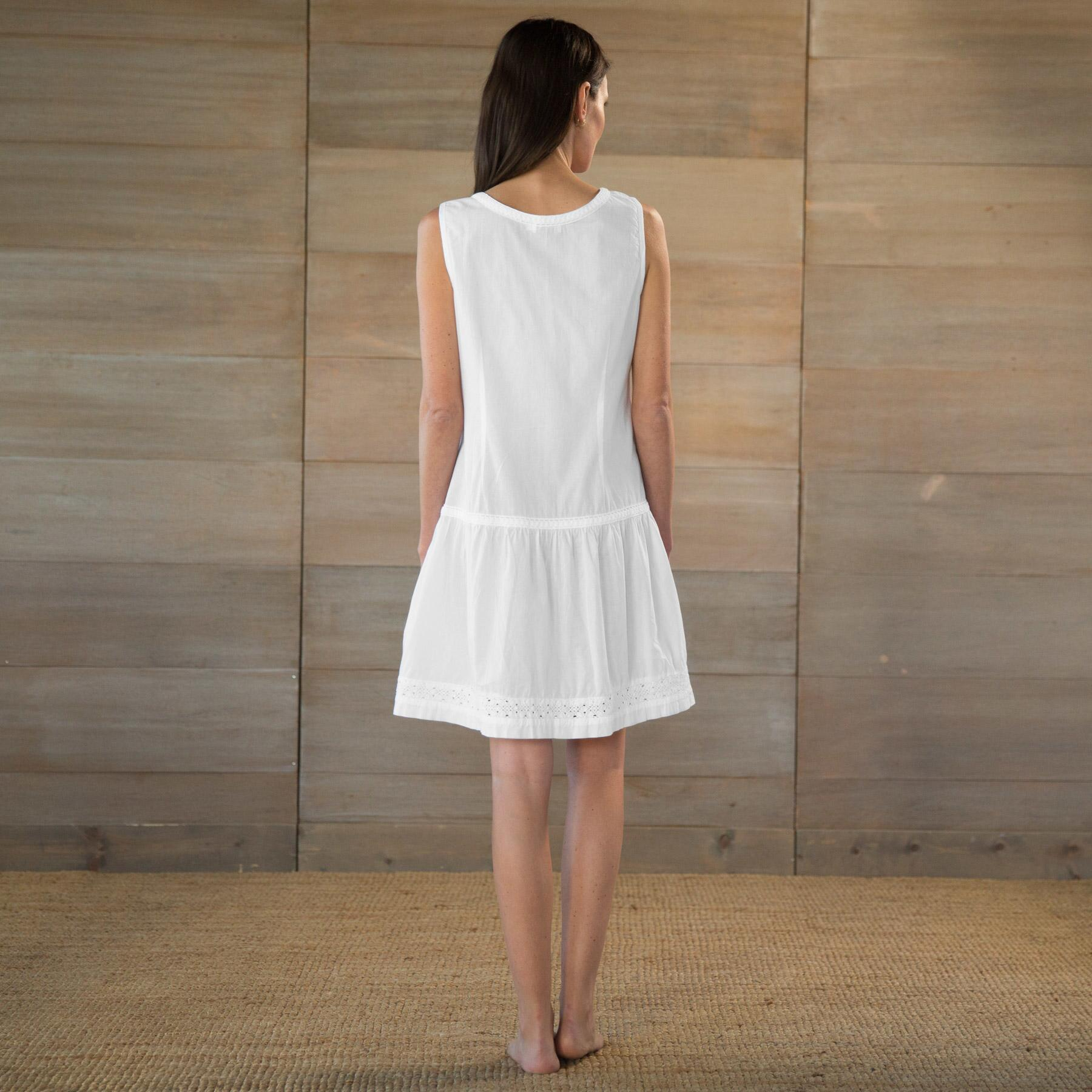 DISARMINGLY CHARMING NIGHTGOWN: View 2