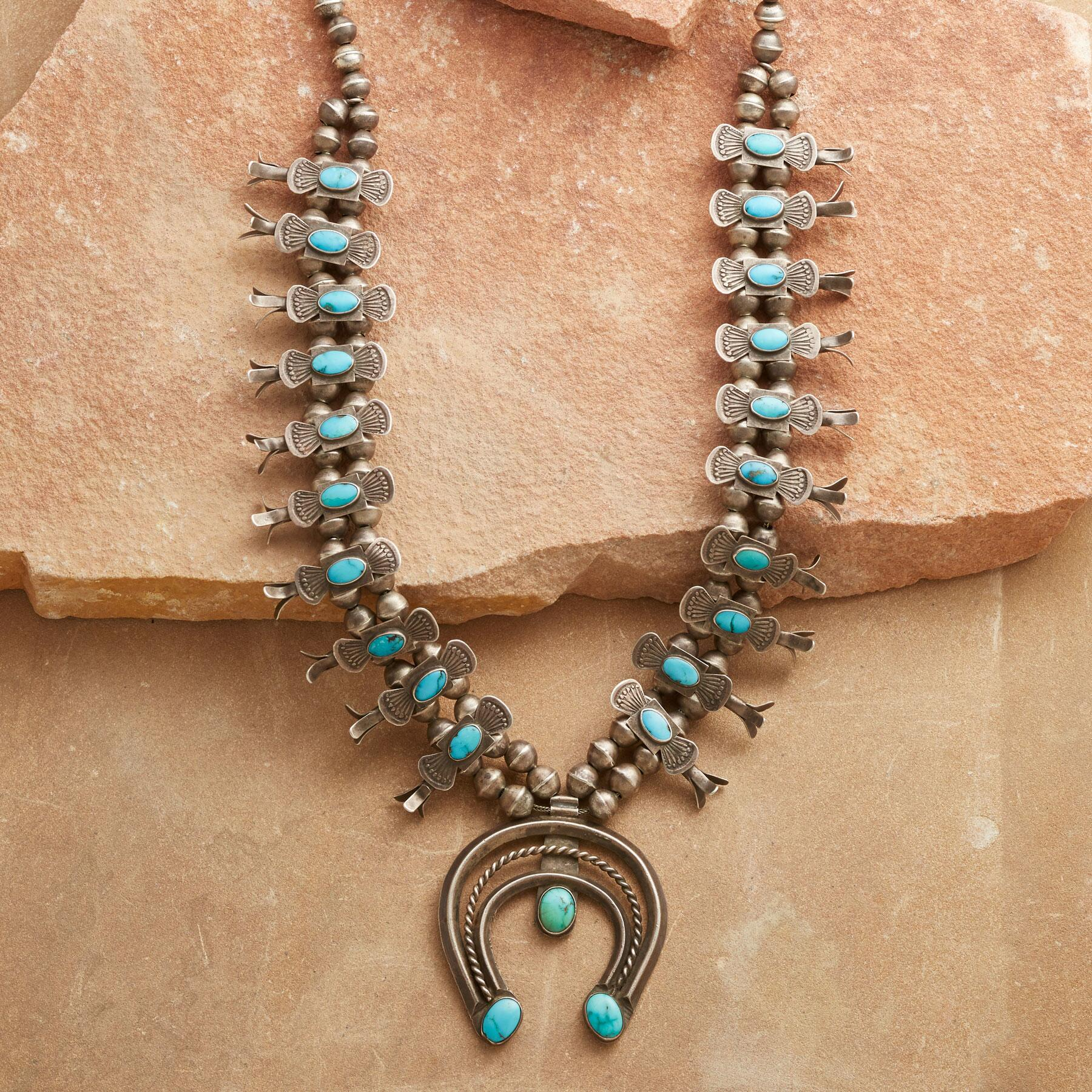 1940'S NAVAJO BOX BOW NECKLACE: View 1
