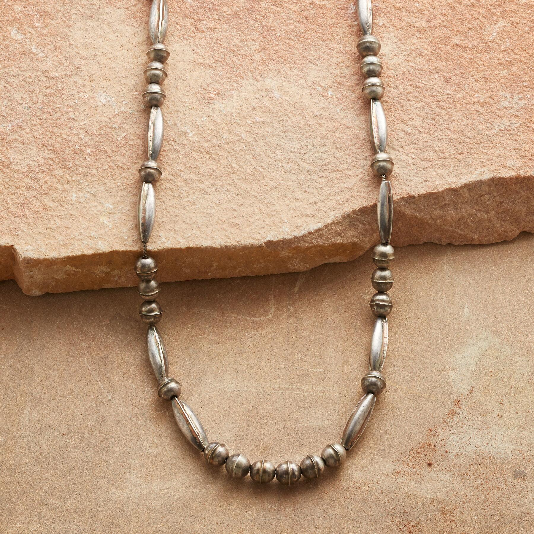 VINTAGE STERLING SILVER NECKLACE: View 1