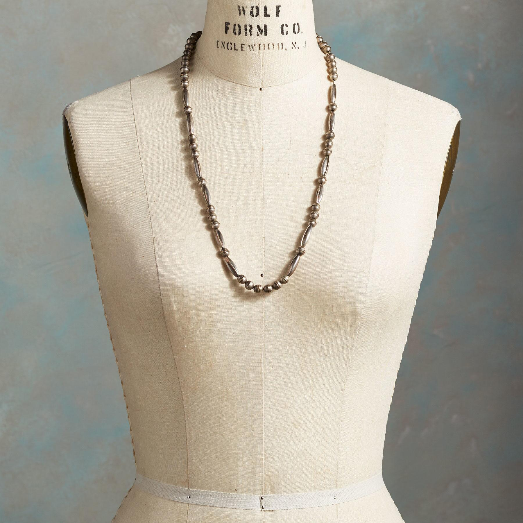 VINTAGE STERLING SILVER NECKLACE: View 3