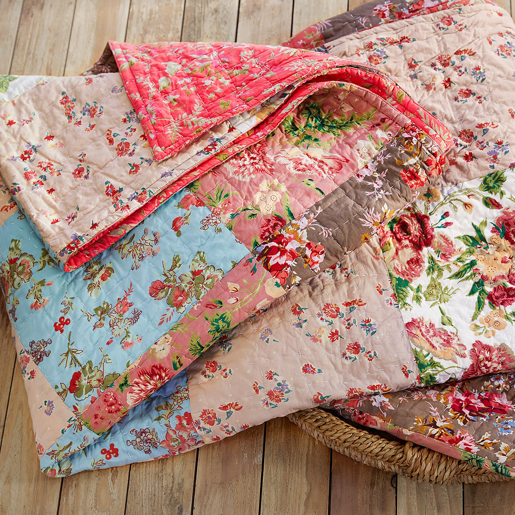 ORCHARD BLOOM PTWK QUILT: View 4