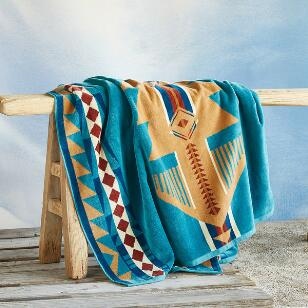 PENDLETON® EAGLE GIFT RESORT TOWEL