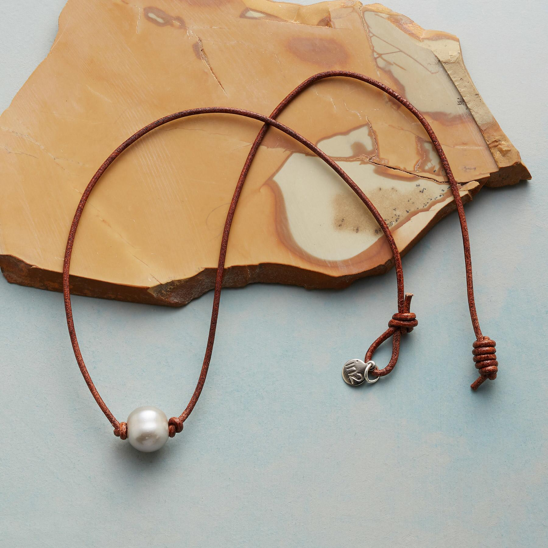 SIMPLE GRACE NECKLACE: View 2