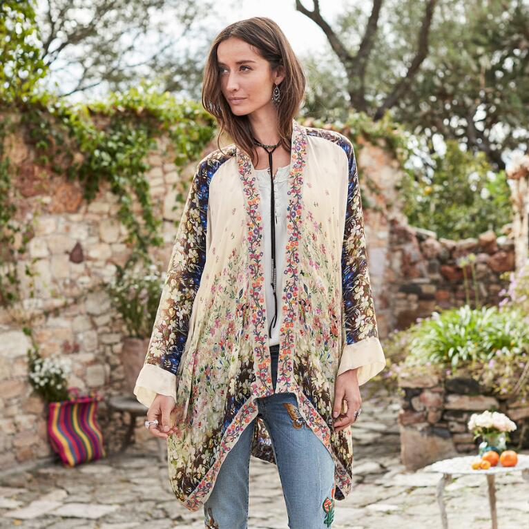 DELIGHTS OF THE DAY KIMONO