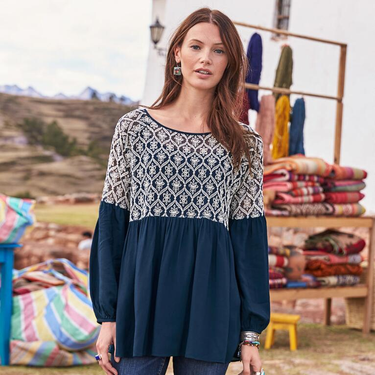 LOVELY STITCHES TOP