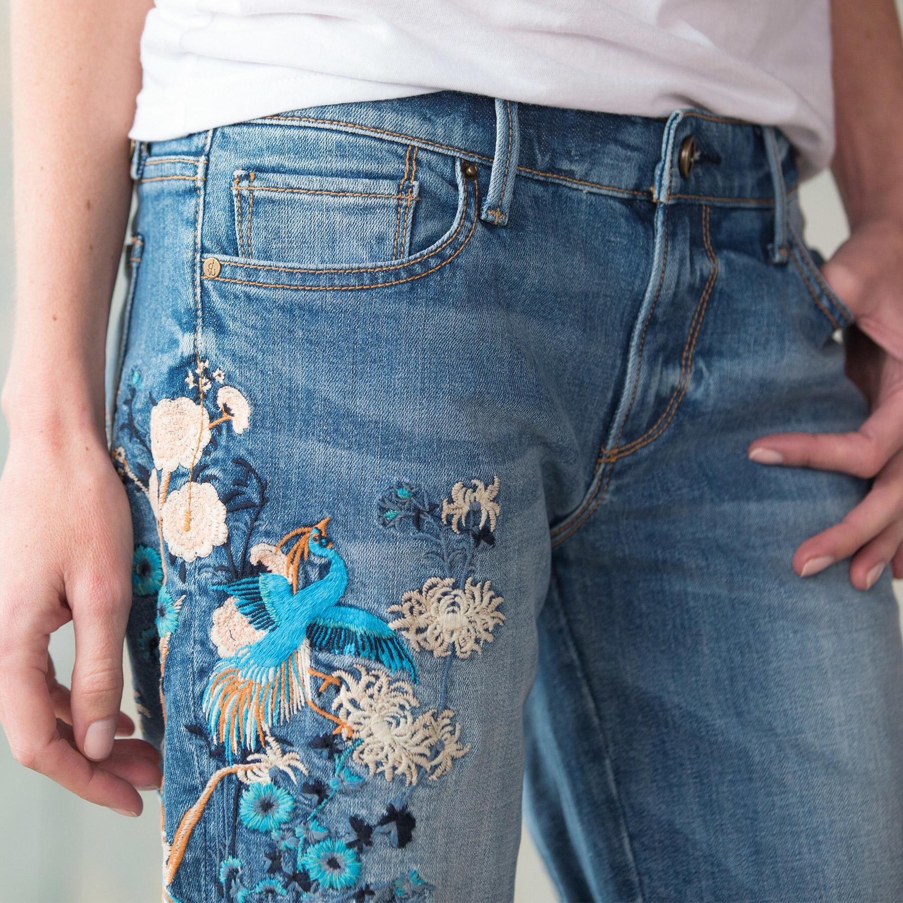 BERMUDA EMBROIDERED SHORTS BY DRIFTWOOD: View 3