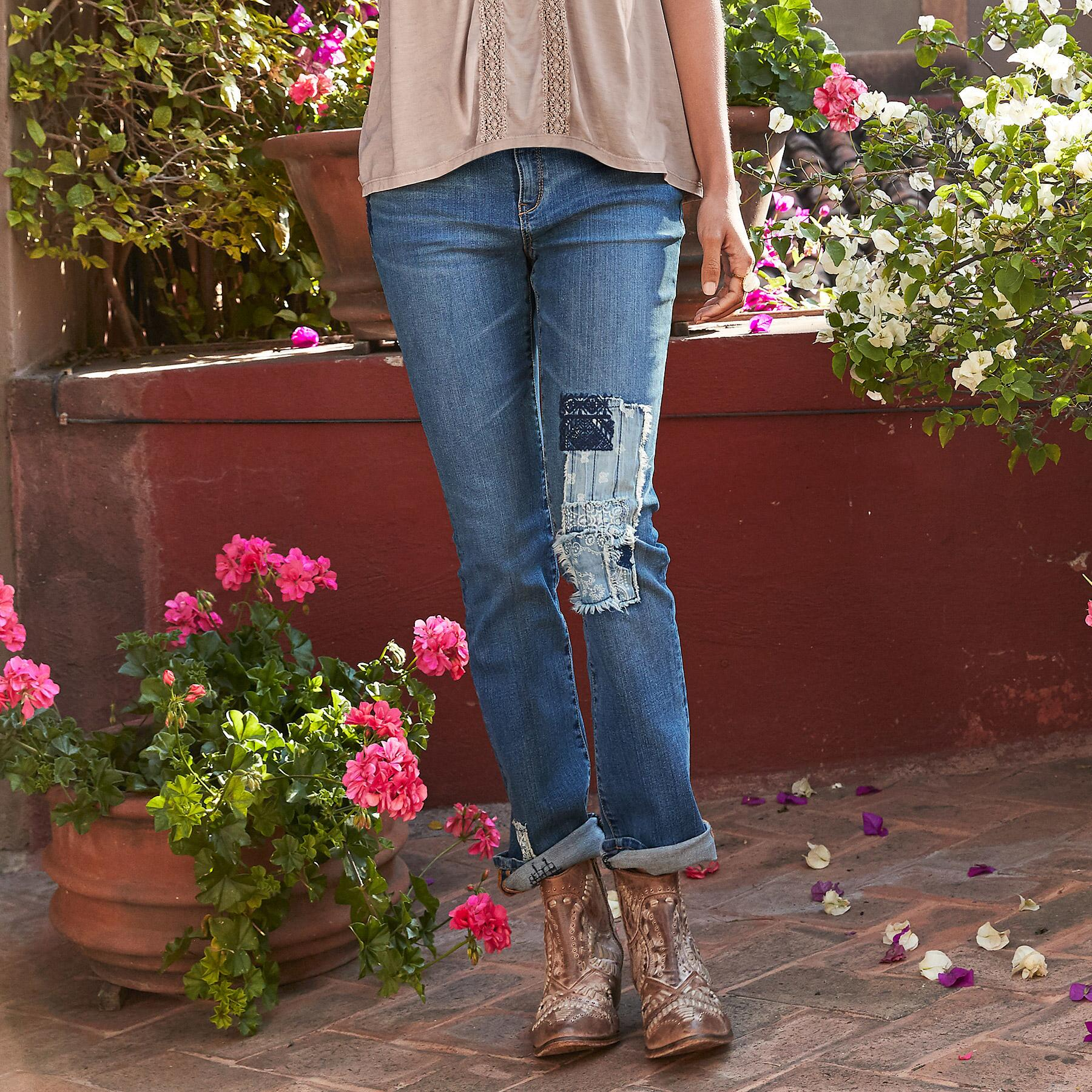MAGNOLIA LOW COUNTRY JEANS: View 1