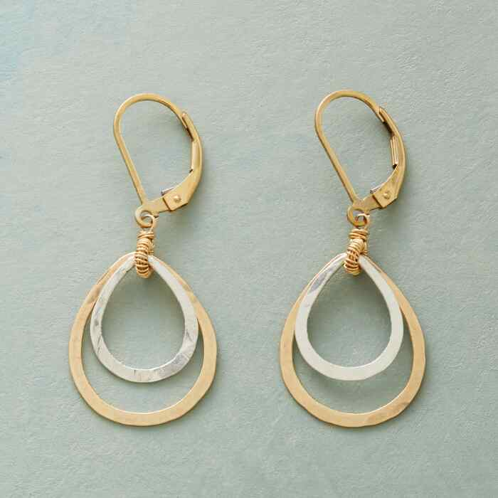 DELICATE DUET EARRINGS