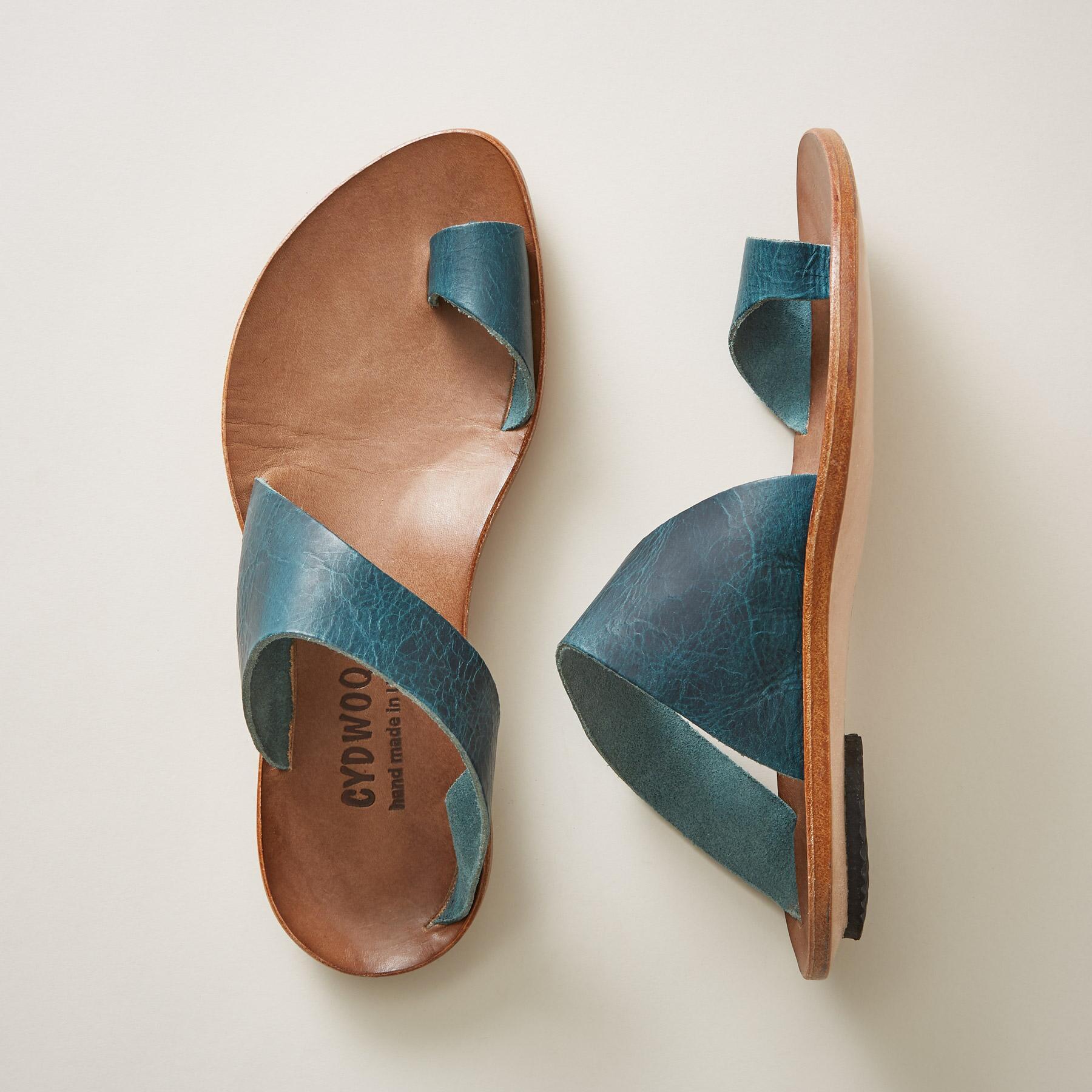 220f358951929 NEW Cydwoq Hillary Sandals – the hippie corner